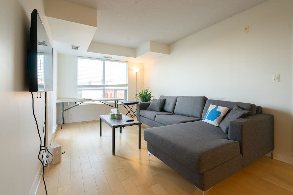 Located in the heart of Cabbagetown and only 10-15 mins away from downtown core