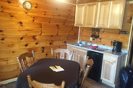 Cozy Log-style Buck Rub Lodge #3
