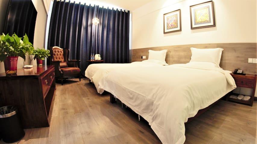 莲七酒店庭院新中式设计商务旅行聚会优选标准间交通便利