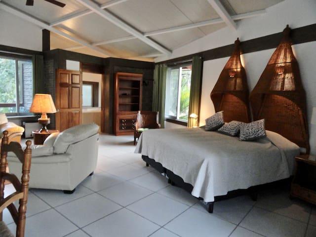 Casa Chu - Master Suite Joyce