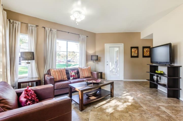 1BR oasis w/ pool, gym and more in Tempe