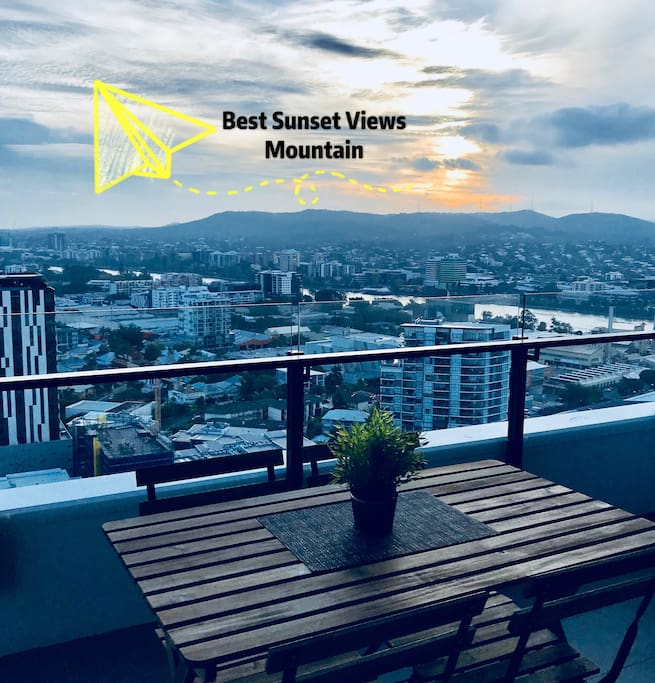 See the sunset and Famous Mount Coot-Tha
