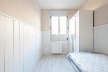 4 bedroom renewed apart fantastic neighborhood 3B4 - Madrid - Appartement