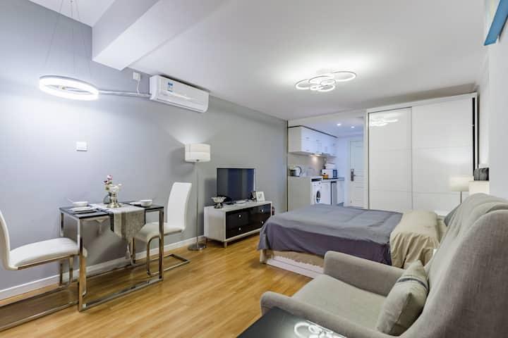 悦享服务公寓 ||吃喝玩乐 交通便利  Plus黑科技Room3 提供全套厨具