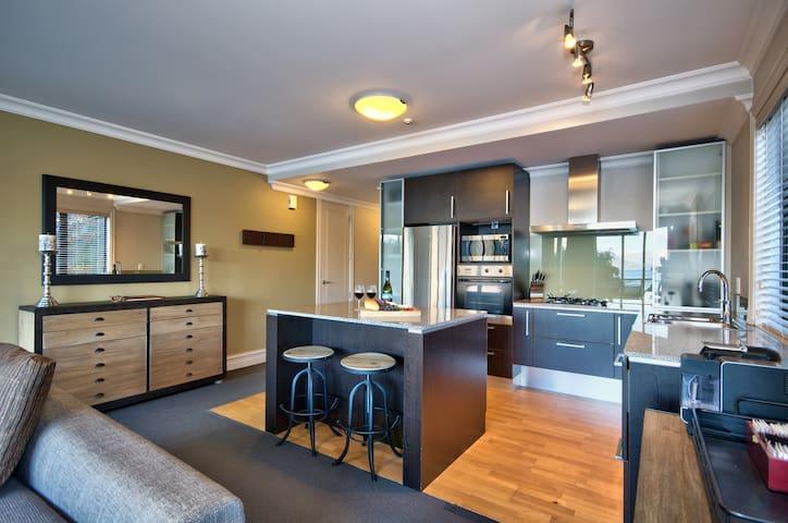 The Beacon 102 Private Apartment