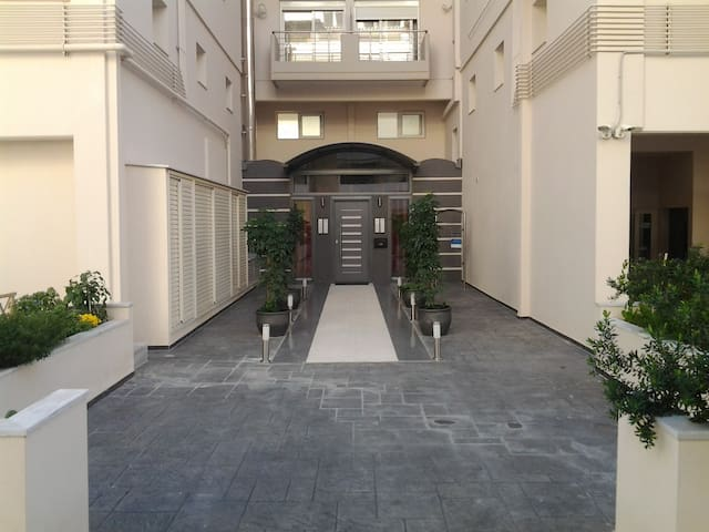 Cosy Apartment - Kesariani - Apartament