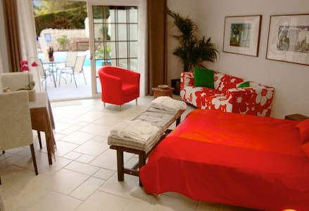 35m2 Deluxe Lagoon Suite (studio) - Levens - Bed & Breakfast