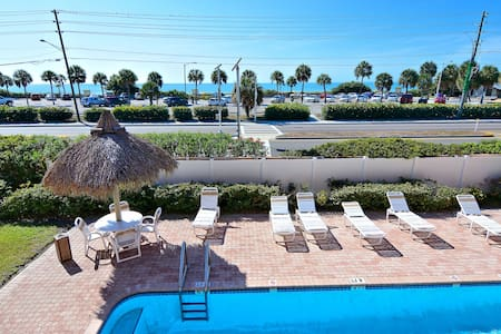 Madeira Beach Condo with Gulf Views - Madeira Beach