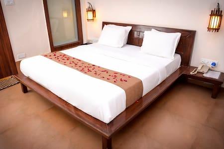 Comfortable Stay At Matheran - Ház