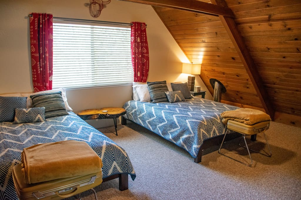 2 Queen beds in the Half Dome room upstairs
