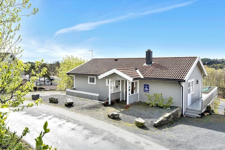 Lovely house in the countryside & close to the sea - Grimstad - Rumah