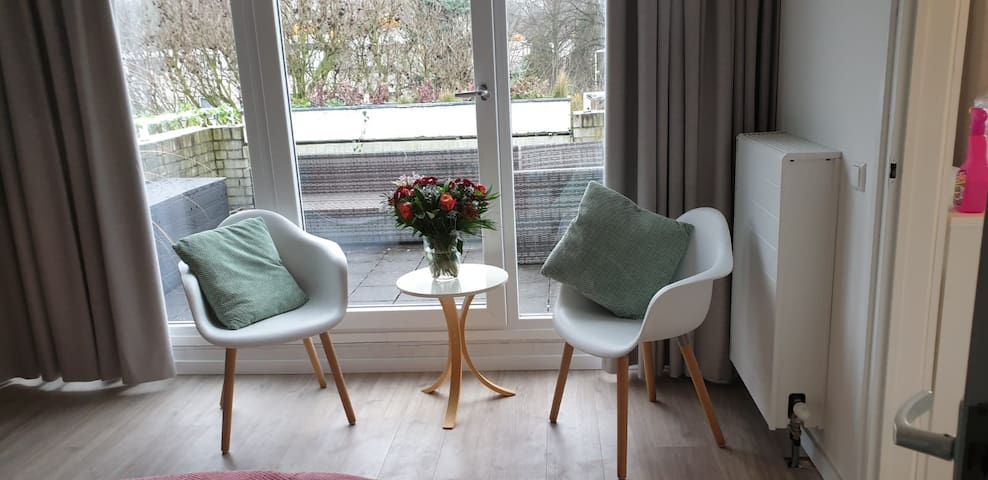 B&B de koepeltjes: room with a view (2nd floor)