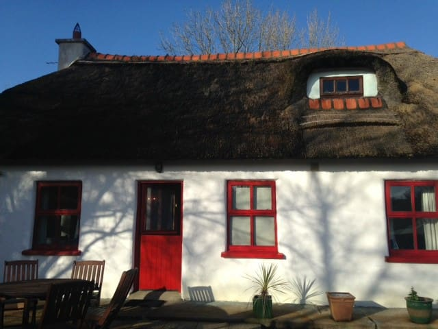 Thatch Cottage in West Cork - Skibbereen - Talo