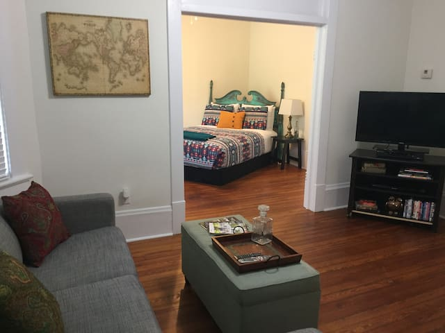 Cozy Downtown Apartment on Forsyth! - Savannah - Pis