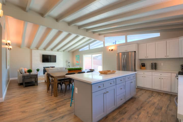 Luxury Hideaway Home near Downtown Disney & Beach☀