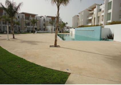 Duplex avec piscine à Casablanca (ville verte) - Касабланка