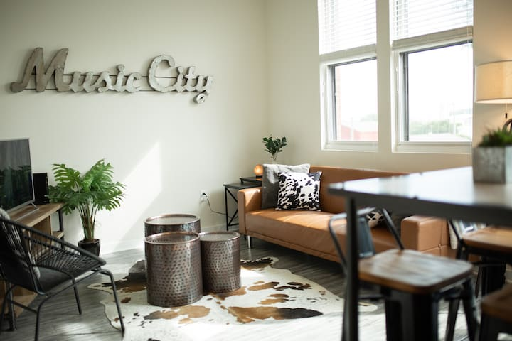 Chic Condo in Germantown/Downtown Nashville!