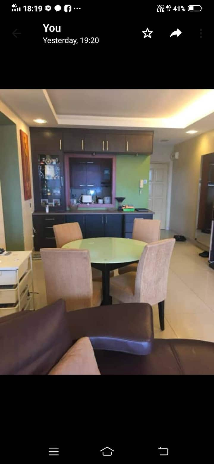 Cosy well decorated 3 bedroom condominium unit