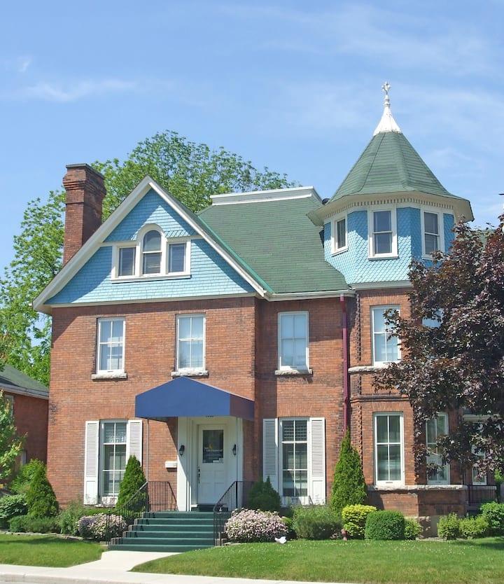 Owen Sound Coach House - First Floor (2-2)