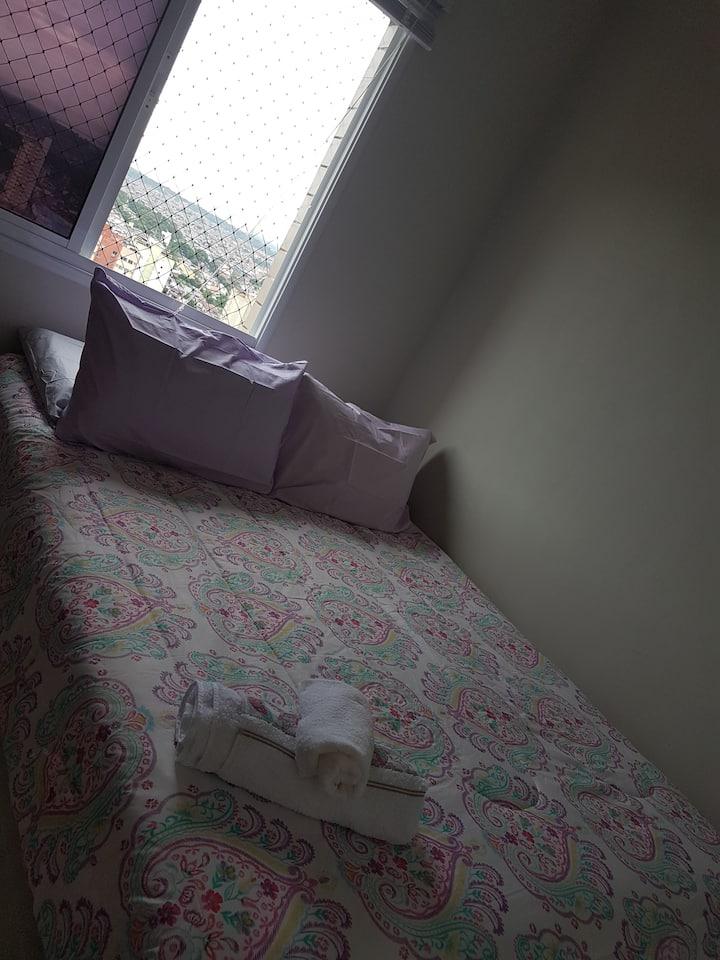 Apartamento no Centro de Belém. Quarto com suíte.