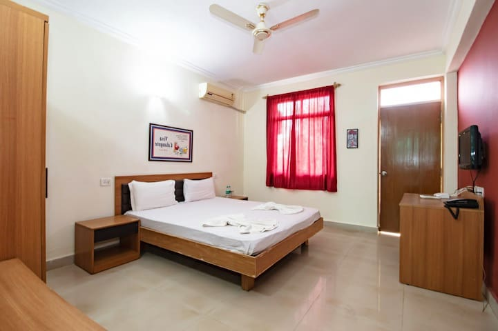 Executive Family Room With Pool-Calangute Beach VC