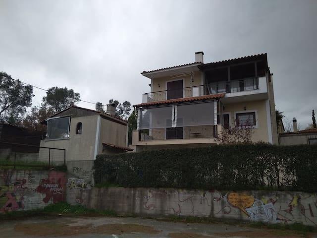 Yiannis Bilios home