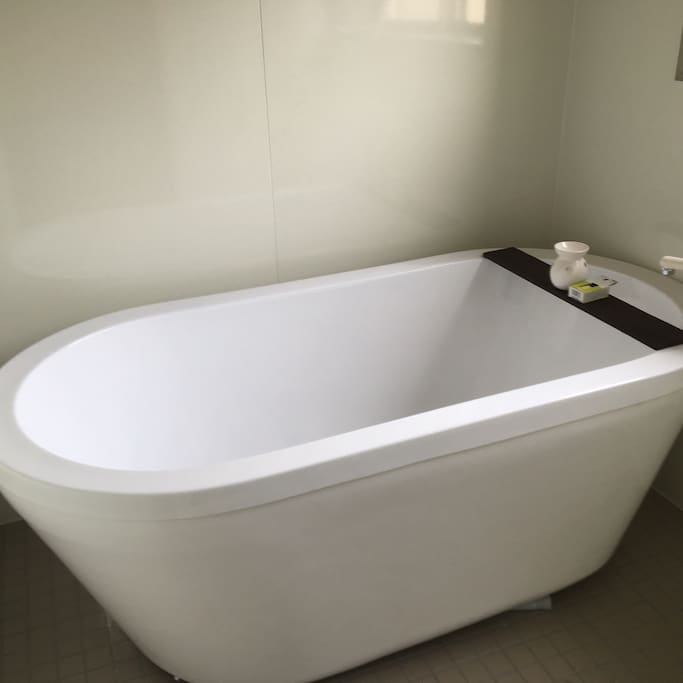 Romantic bath tub
