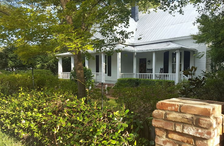 A Farmhouse in the heart of the horse district - Aiken - Rumah