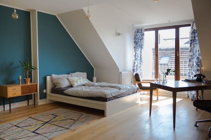 Spacious & Bright Room for 2 / Neukölln / Loft