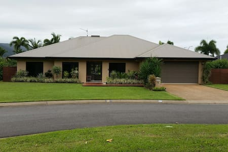 Family Home with Pool in FNQ - Kewarra Beach