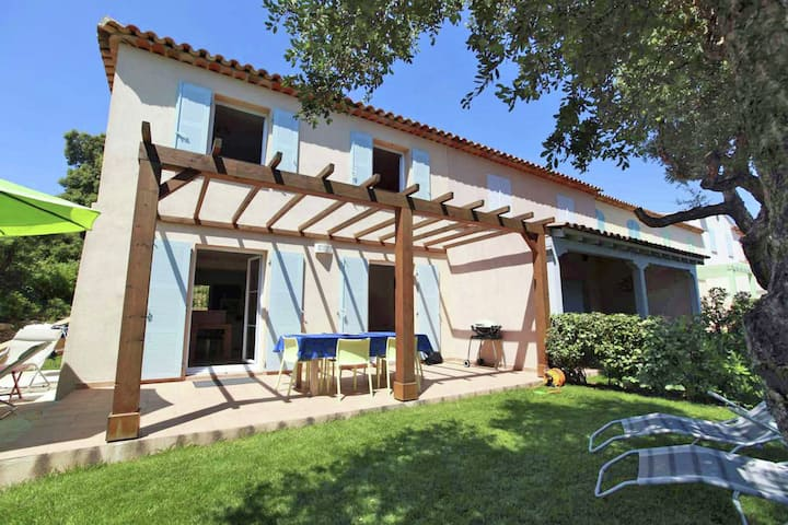 Luxurious Holiday Home in Les Issambres with Swimming Pool