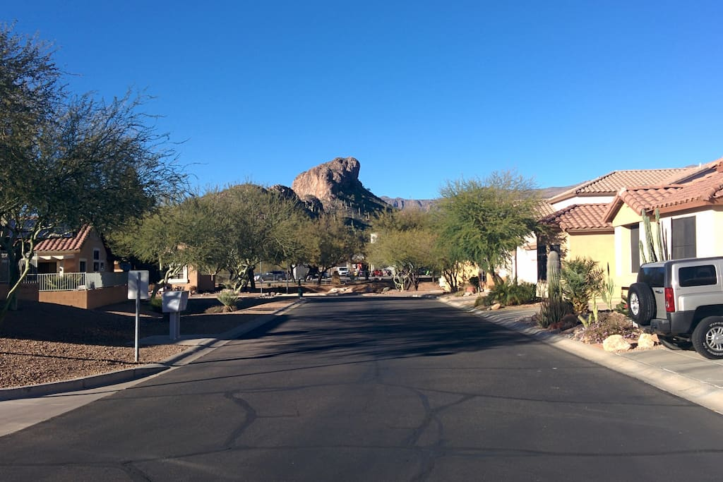 Street view of Dinasaur Mountain by the golf course.