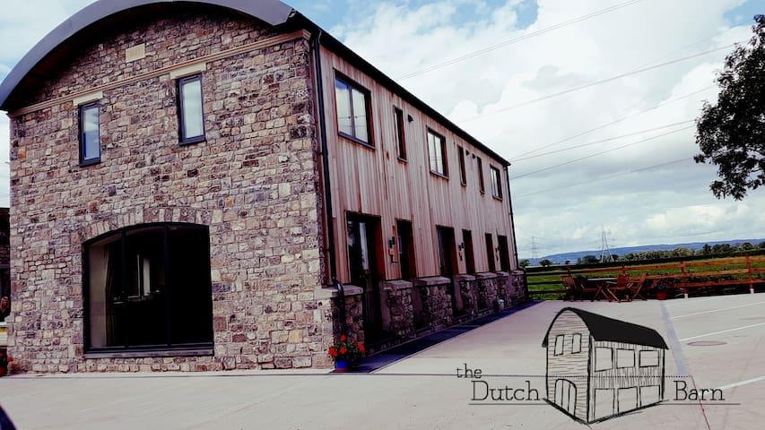 The Dutch Barn - Oak Apartment