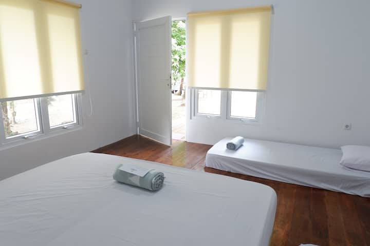 LA NADIYA PAHAWANG ISLAND   1 PRIVATE ROOM