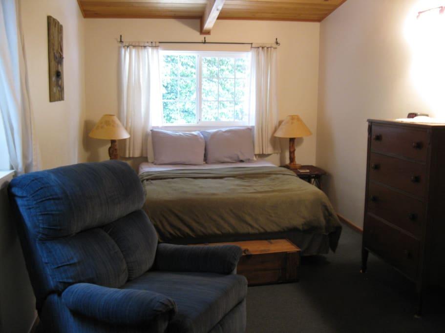 Queen Bed, Dresser, Recliner