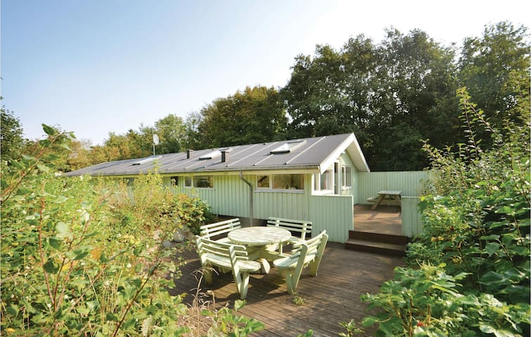 Holiday cottage with 3 bedrooms on 70m² in Fjerritslev