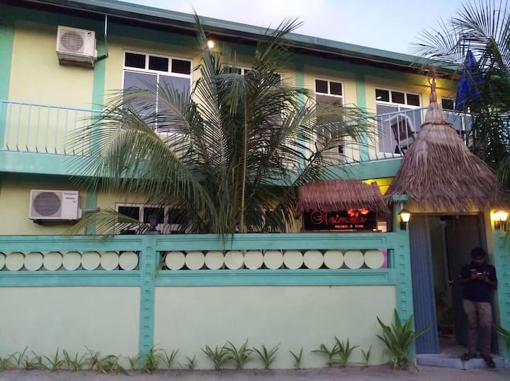 9度假国际自组游闺蜜游情侣亲子公司新年圣诞特惠套餐中文服务马尔代夫民宿酒店