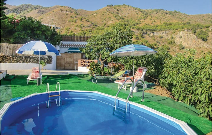 Holiday cottage with 3 bedrooms on 82m² in Frigiliana
