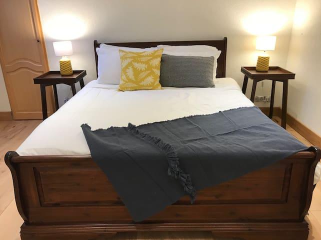Double bedroom 1 - shared en-suite with master bedroom