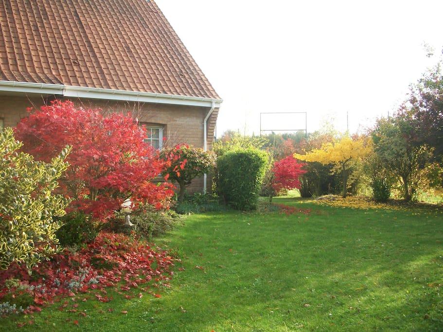 grand jardin clôturé
