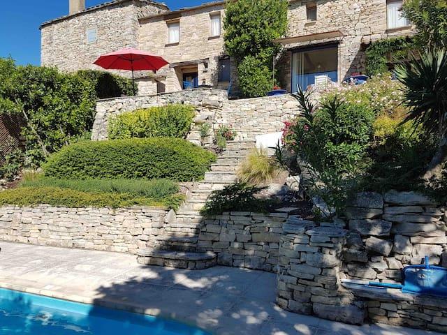 Maison provençale authentique, avec piscine privée