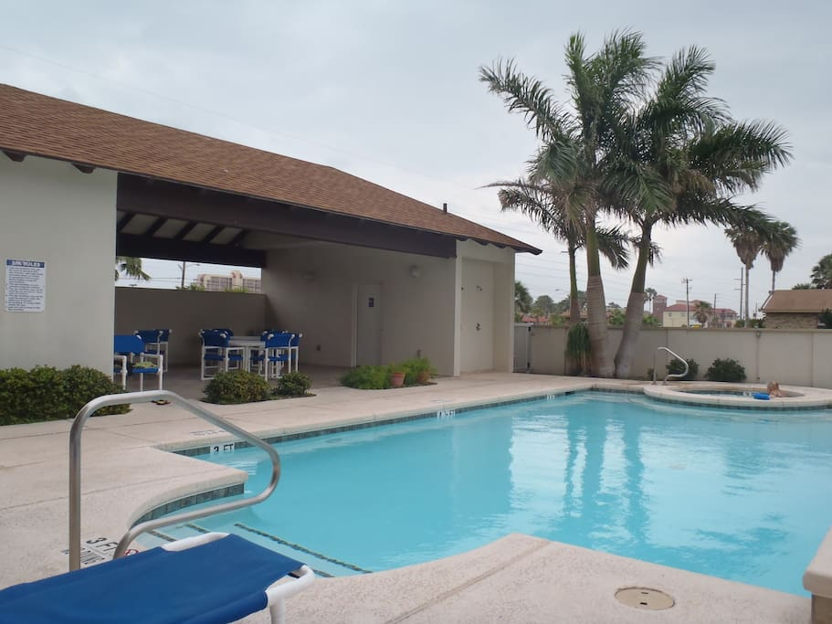 A shaded picnic area and outdoor restrooms are convenient for an afternoon outside at Las Marinas.