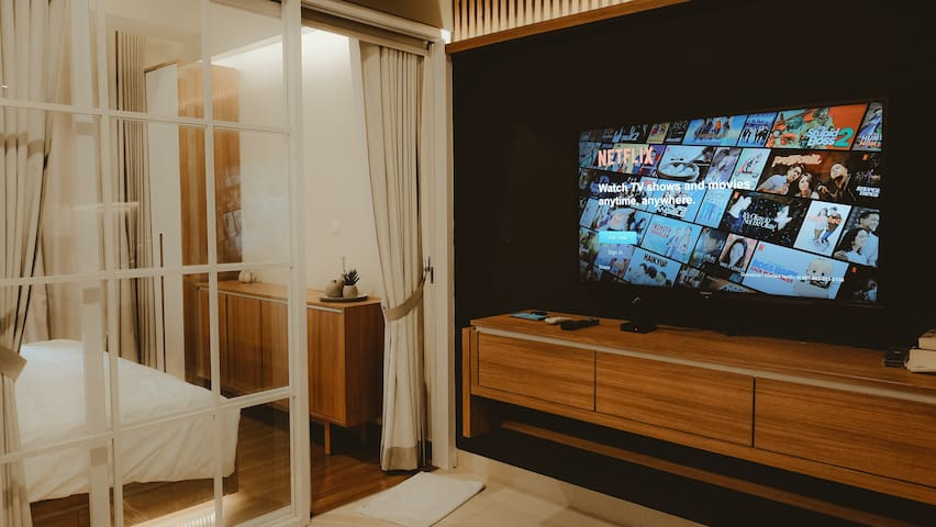 Cozy Modern Premium Fully Furnished Apartment