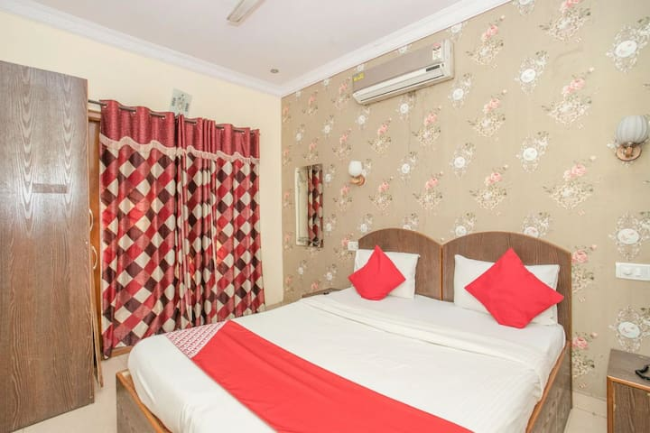 1Bed Room Apartment close to Indiranagar Fazertown