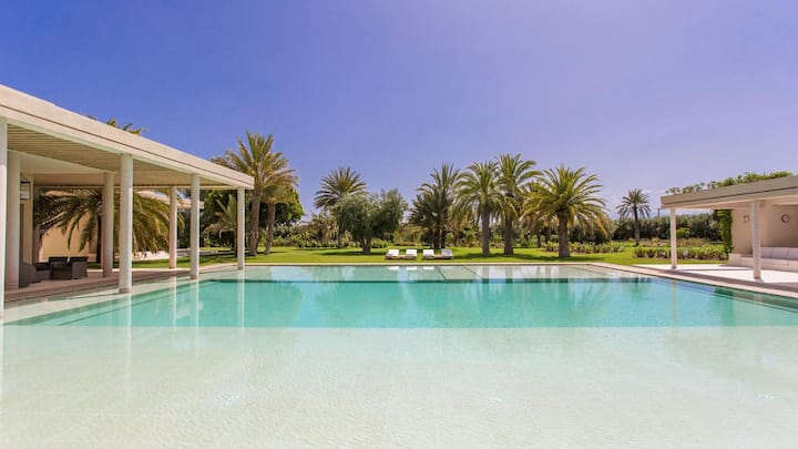 Great Villa In Marrakech with Private Pool