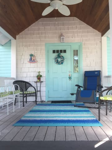 Charming Historical Key West Style Cottage