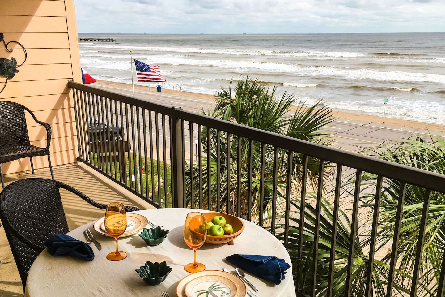 Awesome balcony views to the West! Enjoy breakfast, lunch and dinner on your ocean front balcony