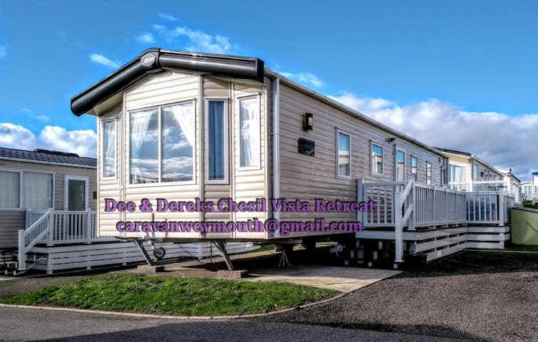 Caravan 4 Hire - Dee & Dereks Chesil Vista Retreat