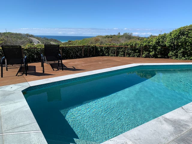 Sun, Surf & Whales @ Luxury Ocean View Retreat