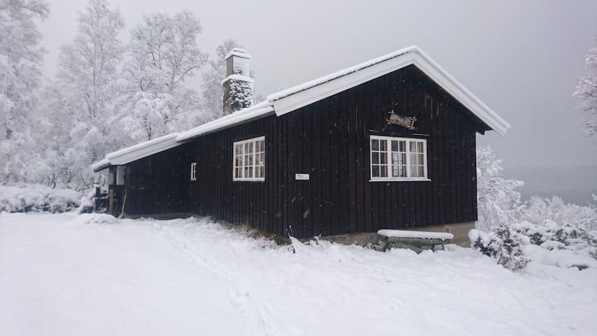 Jonstølen back-to-basic cabin near Hallingskarvet